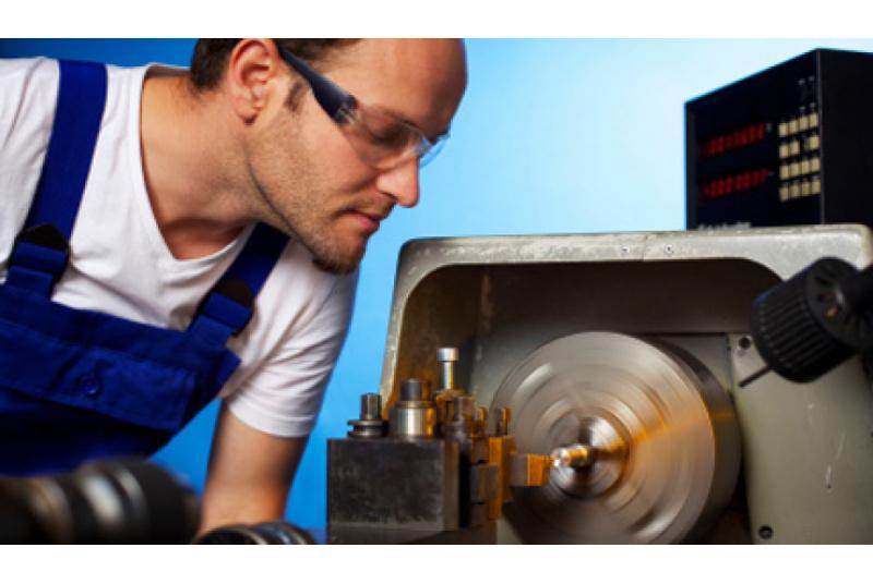 Šaltkalvis įrankininkas (ė) - metalinių detalių remontas, apdirbimas.