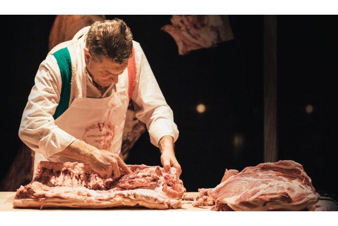 Mėsininkas (-ė),