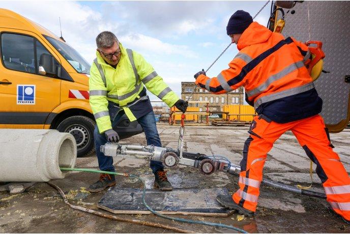 Darbų Vadovas darbuo prie kanalizacijos ir vamzdynų valymo Vokietijoje